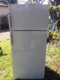 Fridge and freezer 370L $170 Bexley Rockdale Area Preview