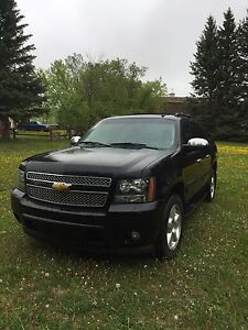 2008 Chevy avalanche LTZ MUST SEE