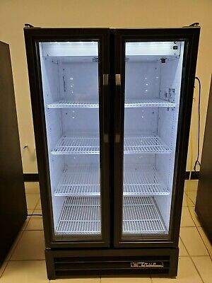 True Gdm-30- Hc-ld Glass 2 Door Merchandiser Commercial Refrigerator