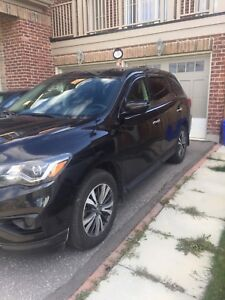 Lease take over 2017 Nissan Pathfinder 4x4