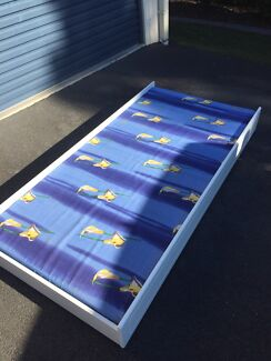 Trundle bed fits under king single white with mattress
