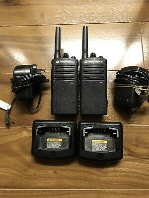 MOTOROLA XTNI LICENCE FREE 446 TWO WAY RADIO WALKIE TALKIE x2