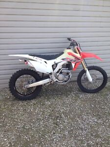 2015 crf250r *NEED TO SELL*