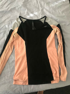 Lorna Jane black active top size S