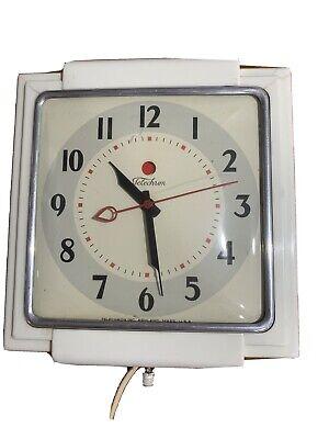 Vintage Telechron 2H43 Deco Chrome White Electric Kitchen Wall Clock Mid Century