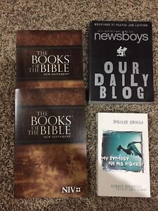 Christian devotionals and bibkes