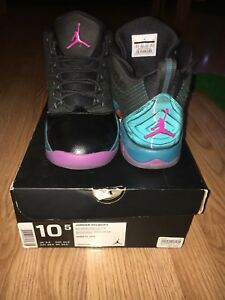 Air Jordan velocity, size 10.5 shoe