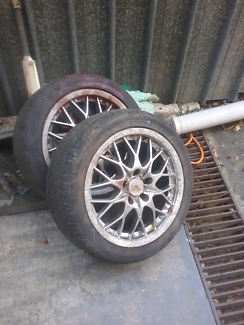 Commodore mag wheels Charlestown Lake Macquarie Area Preview