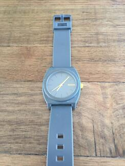 Nixon Watch Minimal The Timeteller