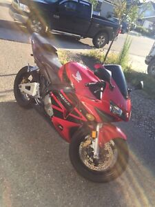 2004 cbr 600rr reduced 2500 if gone soon