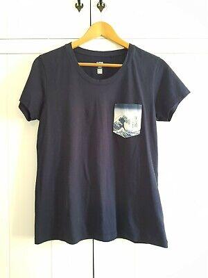 Uniqlo Japanese t shirt The Great Wave off Kanagawa size Medium UK12