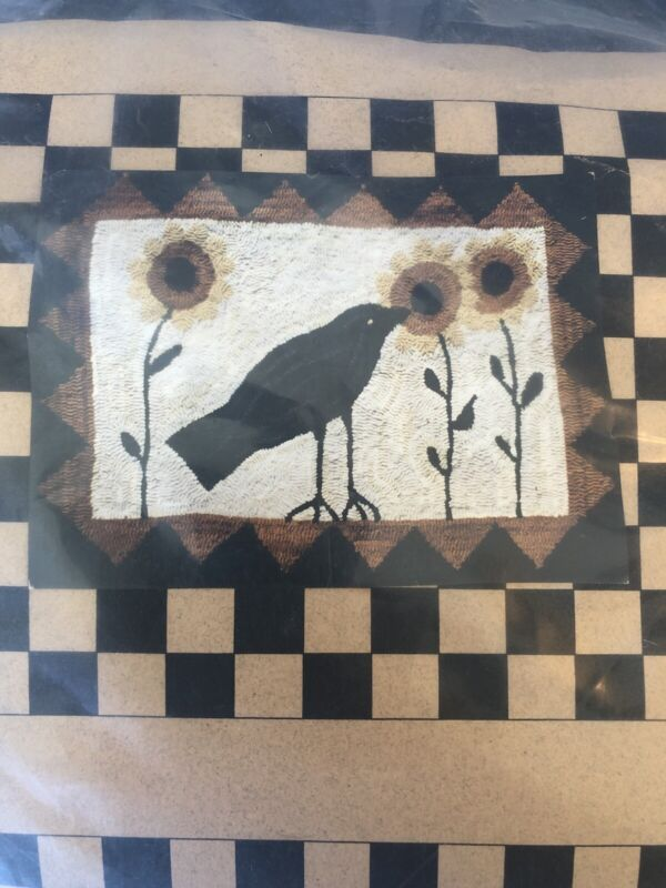 "CROW WITH SUNFLOWERS Primitive Rug Hooking Kit Complete Incl Hook size: 19""X28"""