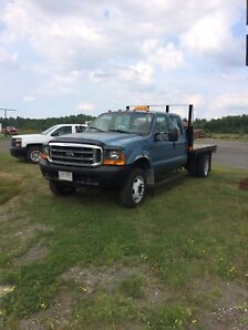 2000 Ford f-450 with flat bed