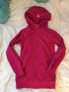 Xs TNA hoodie, UNDER ARMOUR hoodie, HOLLISTER skinny jeans