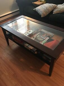 Coffee table $15 (sold pending pick up)