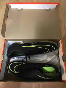 NIKE Indoor soccer shoes Size 12