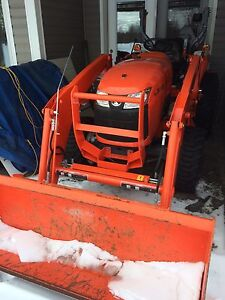 2014 KUBOTA L3800 WITH LOW HRS