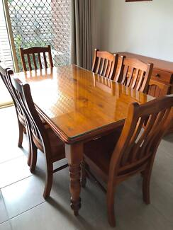6 Seater Dining Table With Matching Buffet