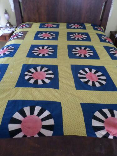 "Antique Quilt Top in Dresden Plate Design 85"" x 70"""