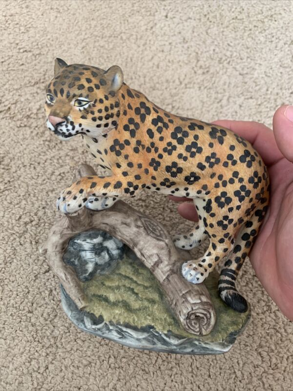 leopard figurine by Andrea