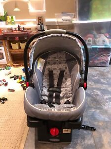 Graco Click Connect Car Seat - Snugride 35
