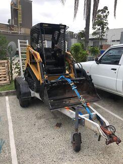 Positrack ASV RC30 on plant trailer. bobcat Terex pt30 excavator truck