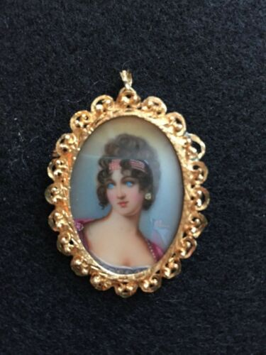 Hand Painted Signed Portrait Cameo Pin/Pendant-18Kt/diamond