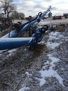 For sale Brandt 1370 swing auger , sold whole or parts
