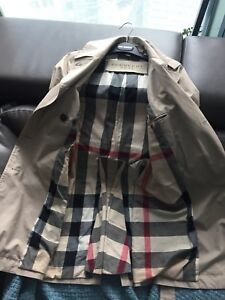Timeless Burberry waterproof trench coat