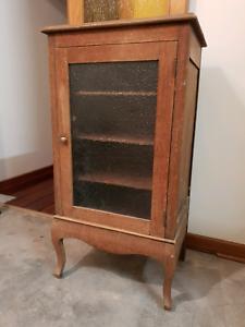 Vintage Medicine Cabinet With Shelves   1930s