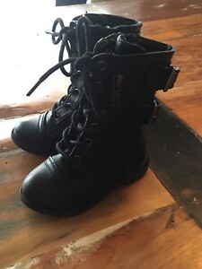 Fall/Spring girls boots size 5 toddler