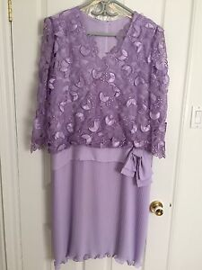 Robe d'occasion lilas