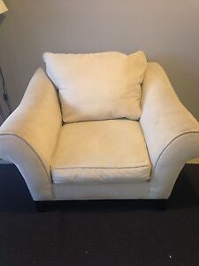 Cream arm chair Craigie Joondalup Area Preview