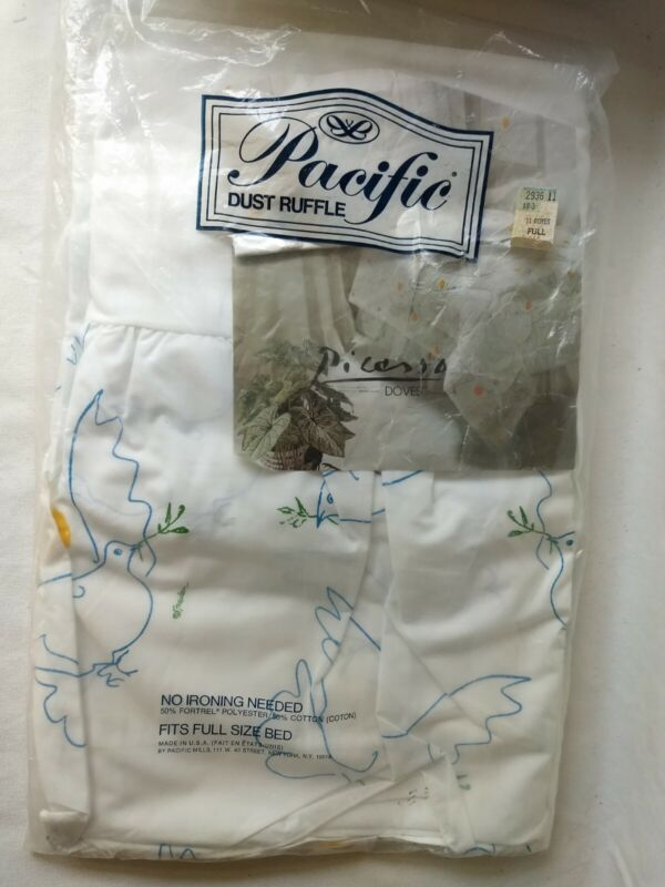 VINTAGE 1977 PACIFIC DUST RUFFLE PICASSO