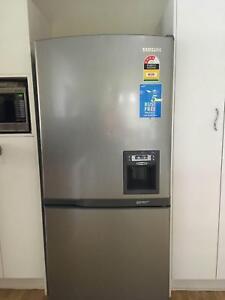 Silver Samsung Fridge with Water Dispenser