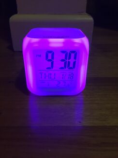 Smiggle colour changing clock