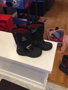 Boys winter Boots  size 1.