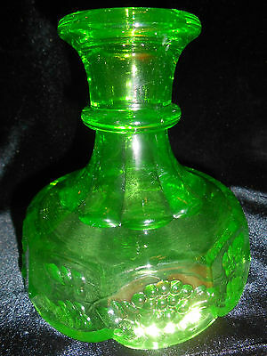 Green Vaseline glass Fairy lamp / candle holder candlestick stick grape Uranium