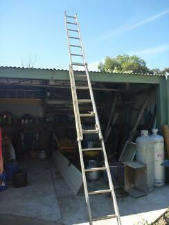 Aluminium Extension Ladder (M.O.T.E.)