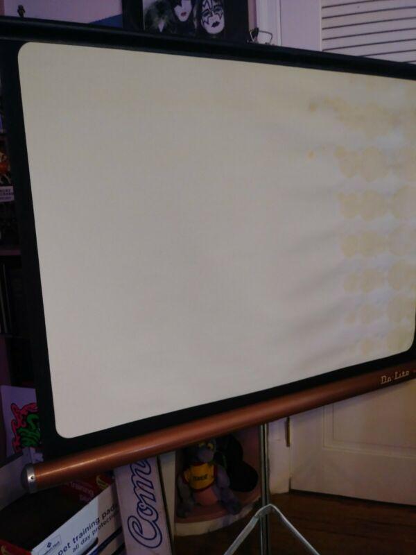 """Copper DA-LITE COMET Projector SCREEN, Movie Slide Tripod Stand 40"""" x 30"""" USED"""