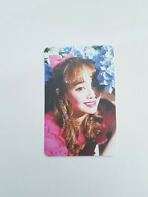 """MONTHLY GIRL LOONA Chuu Hologram Photocard - Official Album """"Chuu"""" First Edition"""