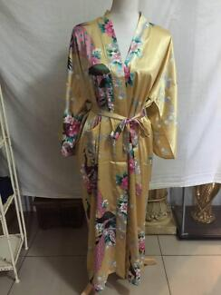 Long Length Kimono Style Dressing Gown Never Worn Large