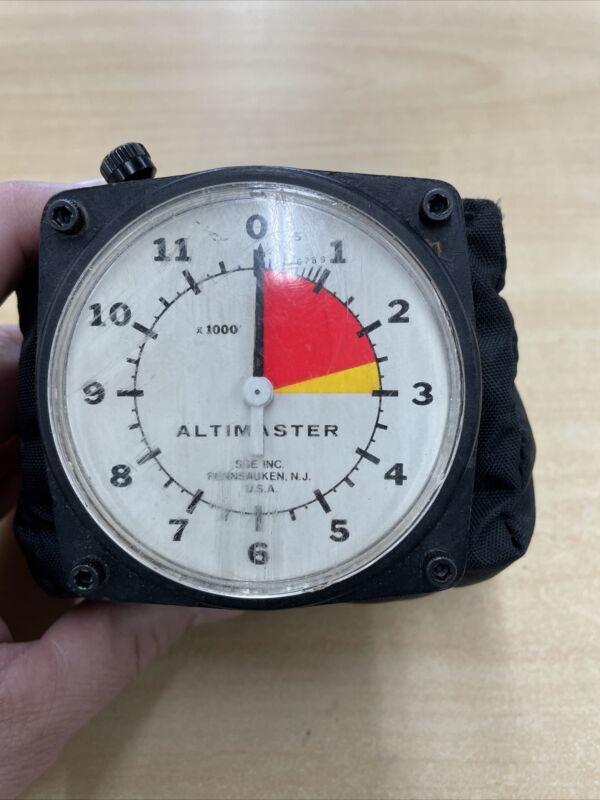 Vintage Altimaster II Sky Diving Altimeter by Steve Snyder Ent. w/ Chest Pillow