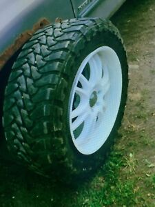 """37""""x13.5R22 toyo open country"""
