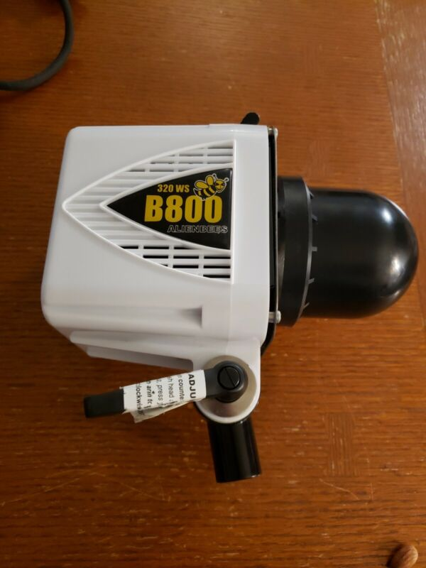 Alien Bees B800 Pro Photo Flash, White w/ Power Cord