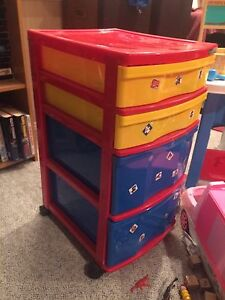 Kids storage container