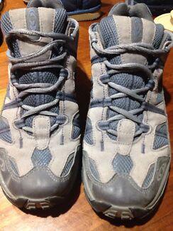 Contragrip hiking shoes size 8