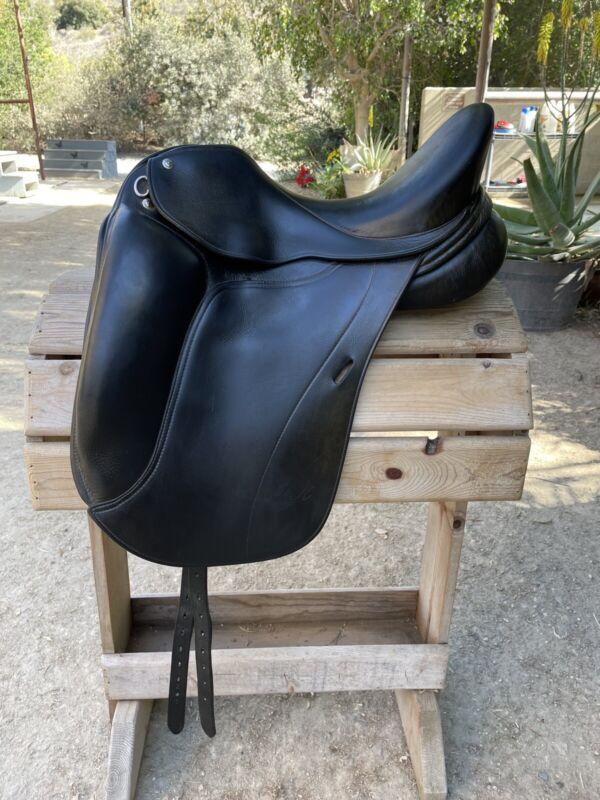 DK Dressage Saddle