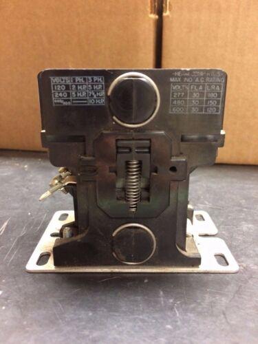 Gould Contactor #2200 EB330AA