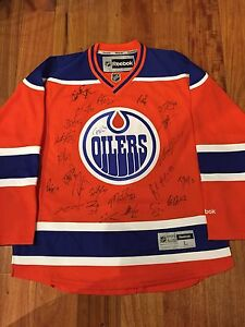 Oilers Playoff Team signed jersey